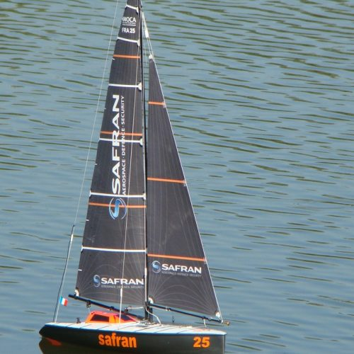 Micro Magic SAFRAN sur lac